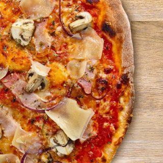 Our all-time best seller - Porcini Pizza with porcini mushrooms and bacon😋