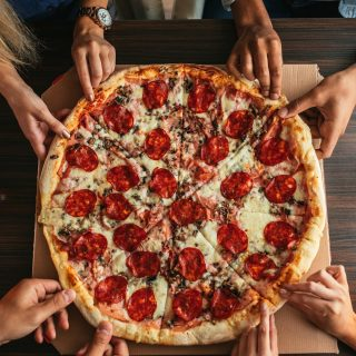 With whom do you share your pizza with?🥰