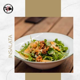 A balance of sweet and savoury, our Insalata (Italian salad) with added parmesan cheese and pear, and topped off with walnuts to give it the extra texture and crunch.  A flavourful and refreshing starter to whip up your appetite for what's to come!😍